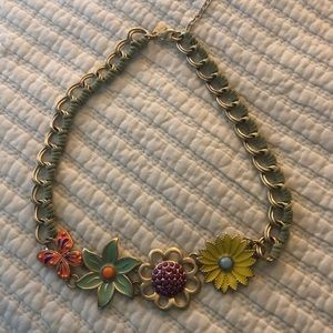 Choker flower necklace